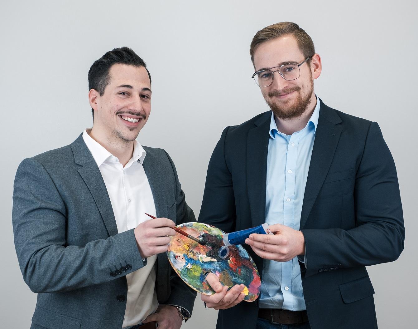 Zwei IT Consultants beim IT Systemhaus Köln Bonn
