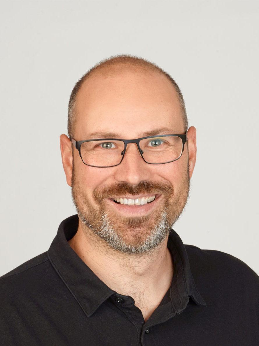Sascha Güttes, IT-Leiter bei Stepin, Referenz synalis