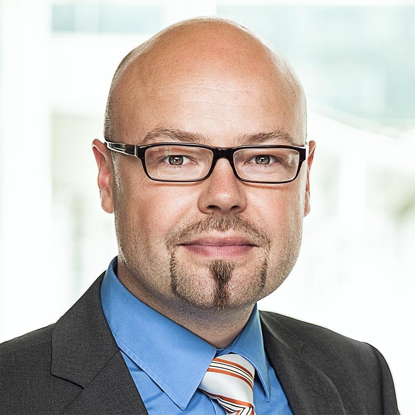 Portrait Nikolaj Schmitz G.I.B mbH Referenz synalis